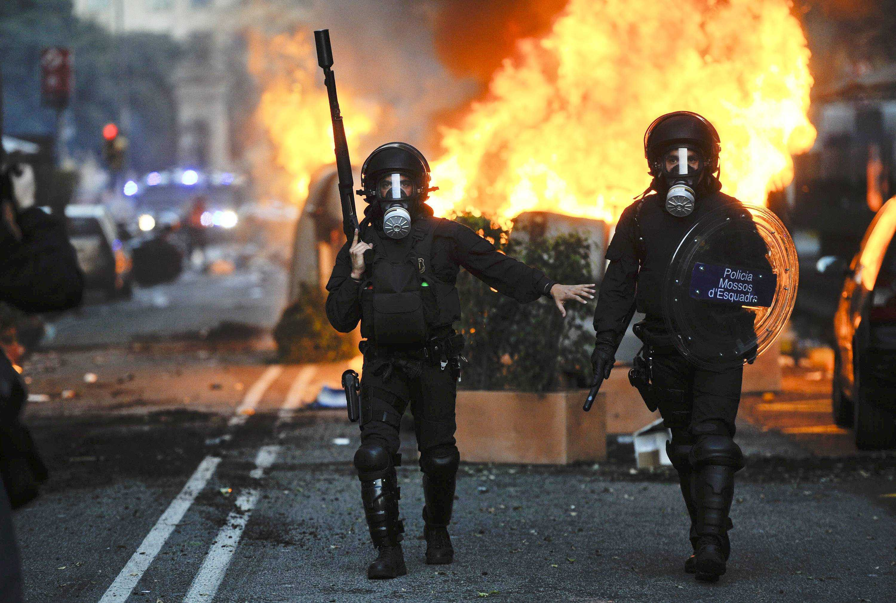 susanne_posel_news_-Riot-police-March-29-2012-Barcelona-Spain