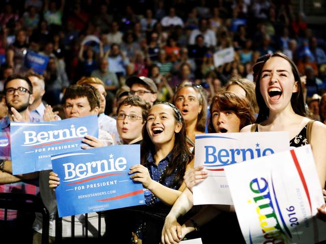 supporters-of-bernie-sanders