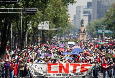 marcha_CNTE_Reforma-bloqueo_CNTE_Reforma-maestros_bloquean_Reforma_MILIMA20150210_0212_8