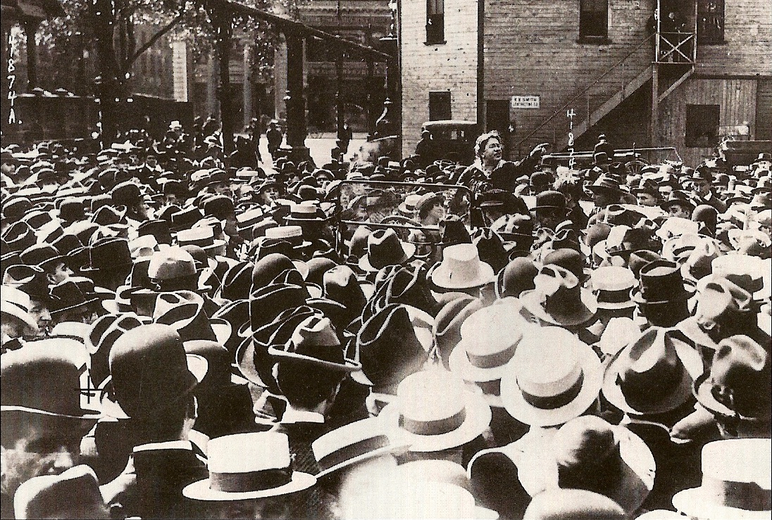 Emma_Goldman_-_Union_Square,_New_York,_1916_2