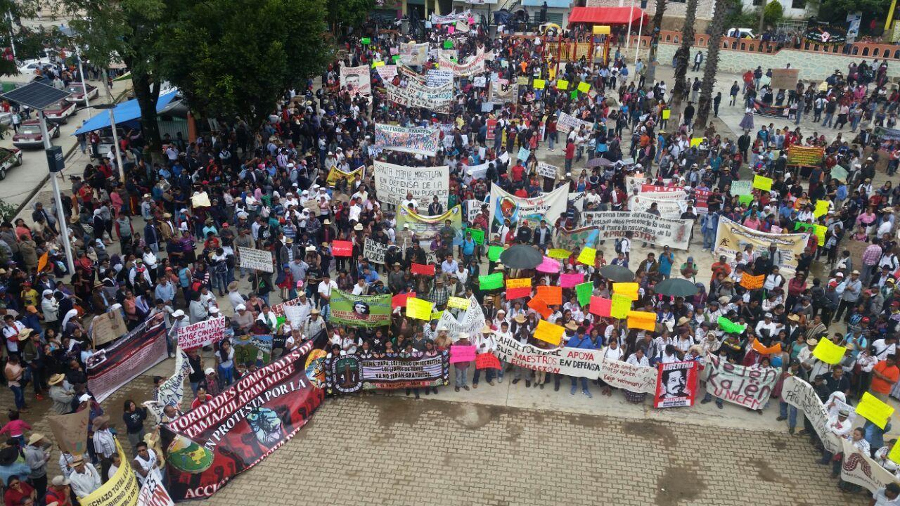 March by the communities of the Ayuujk people, June 22, 2016 (Radio Jenpoj)