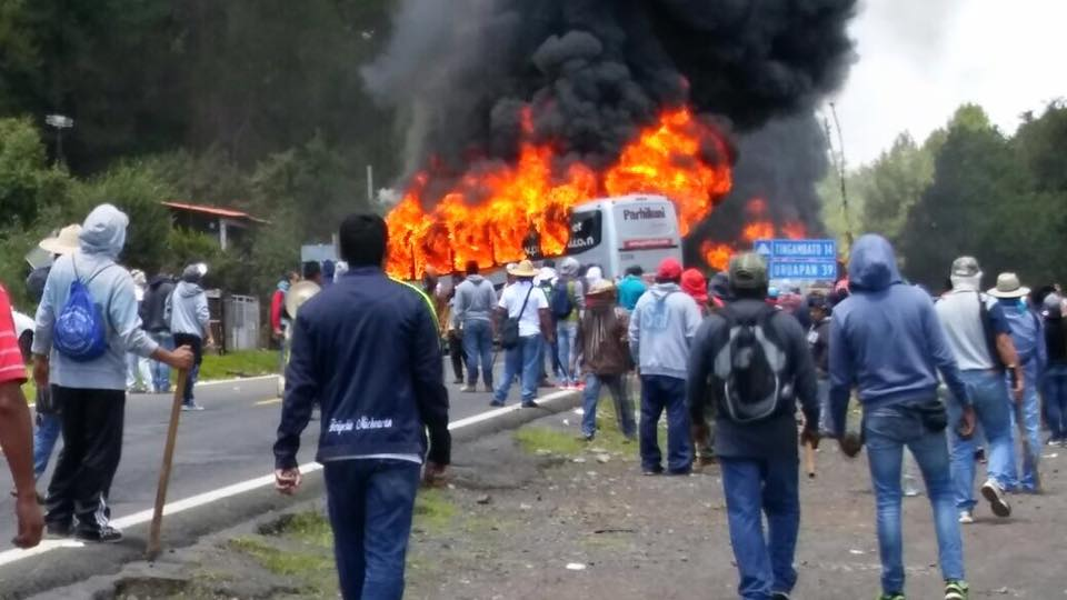 tumbio-michoacan-teachers-blockade