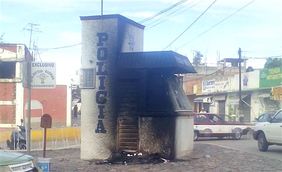 Burned-out police outpost in Huajuapan.