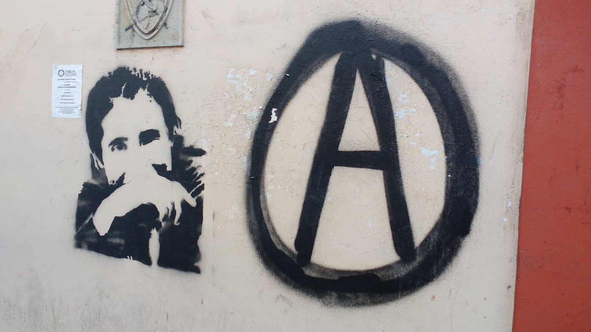 Graffiti in Oaxaca commemorating Salvador Olmos, anarchist and community journalist murdered by police in Huajuapan.