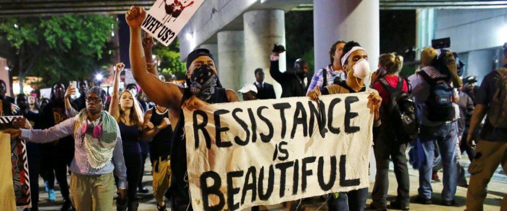 rt_charlotte_protest_cf_160922_12x5_1600