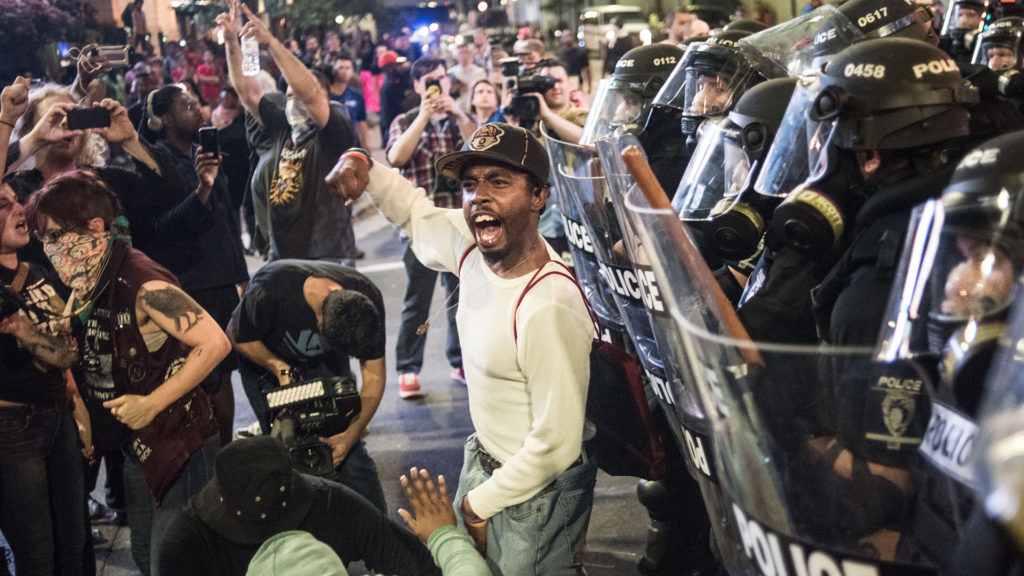 ct-charlotte-police-shooting-protest-20160921