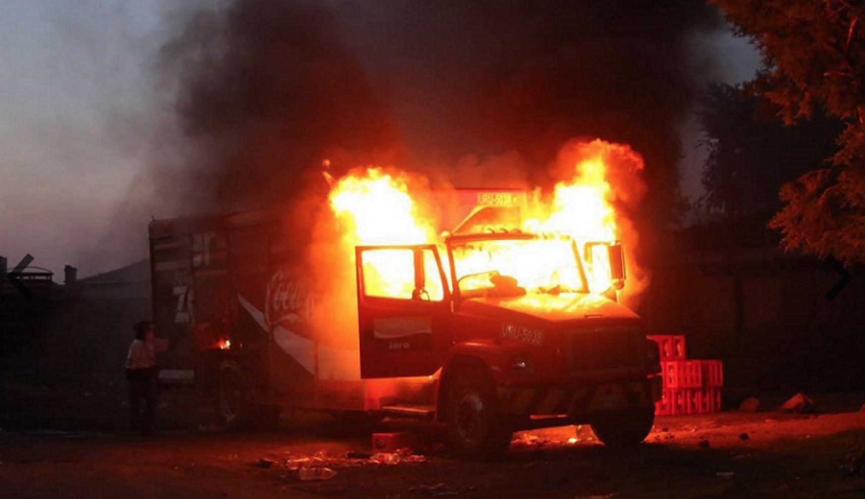 Highway blockade by students in Michoacán.