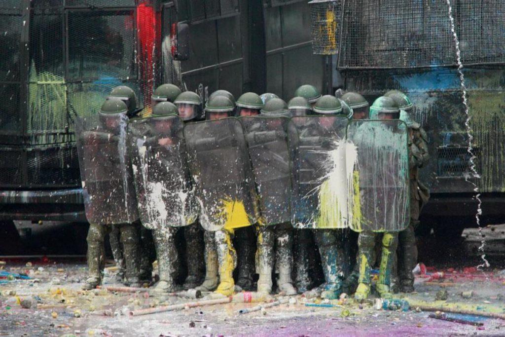 03b-riot-police-in-santiago-de-chile-chile