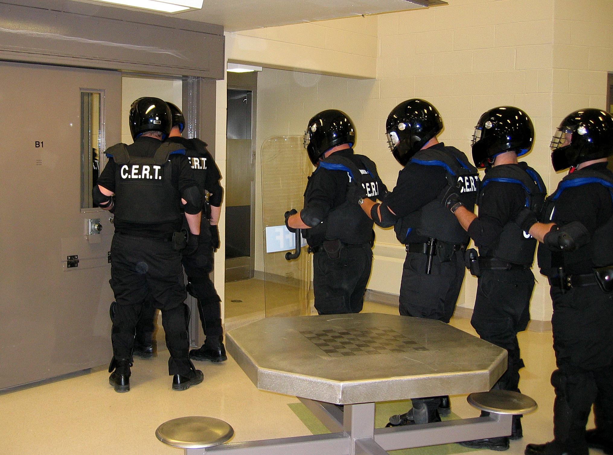 Riot squad attacks C-dorm at Holman prison - It's Going Down