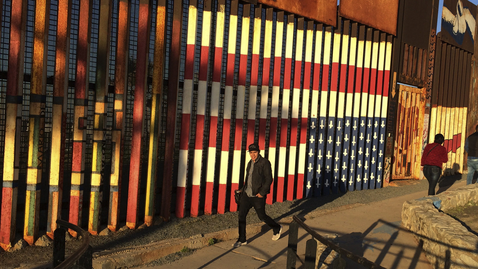 mexico moving forward essay