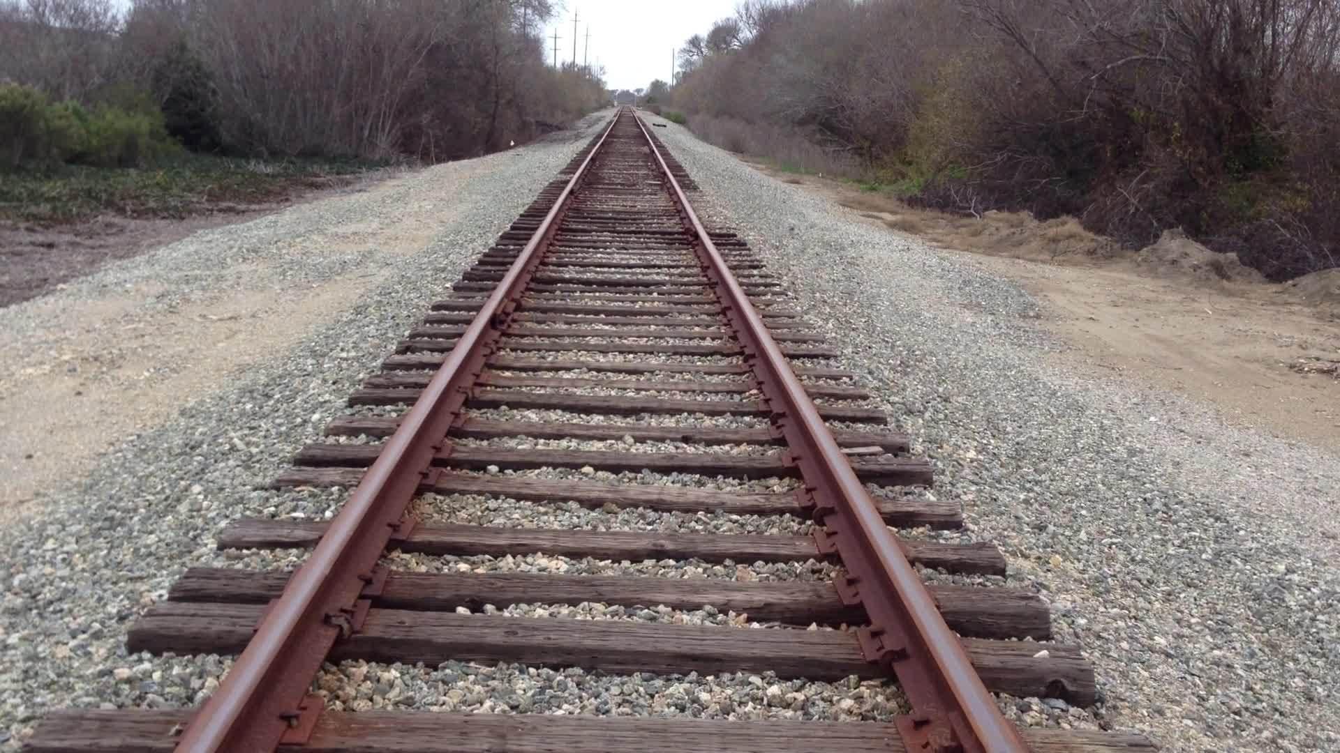 Olympia, WA: Train Tracks Sabotaged To Stop Fracking Equipment - Long Room