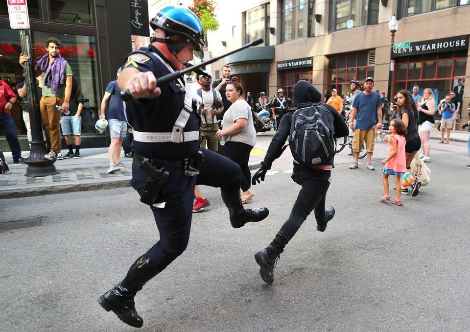 Tlumacki_FreeSpeechrallyandprotests_,metro1081.jpg
