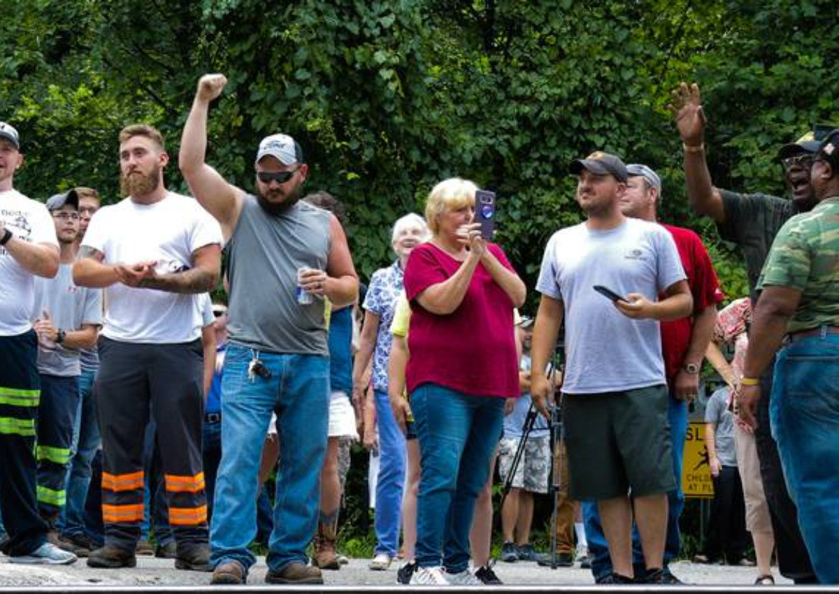 This Is America #84: Kentucky Miners Blockade Coal Train